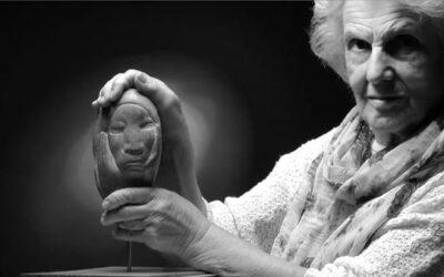 La escultora CASTORINA muestra sus piezas en la galería Ármaga