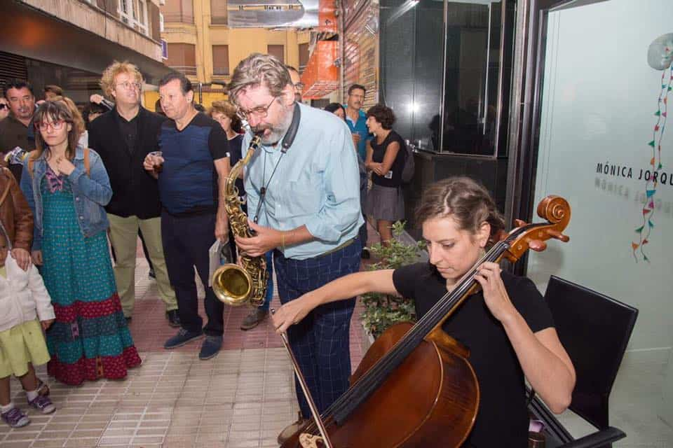 «Recuperando la belleza», de Miñambres + Música improvisada con Rodríguez, Villegas, Ballarín y Jorquera para despedir la exposición de Iribertegui