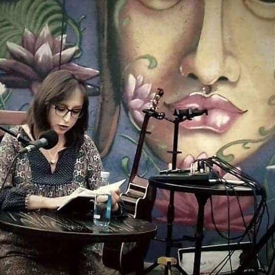 Sara Otero comparte en Ármaga «poesía y vino»