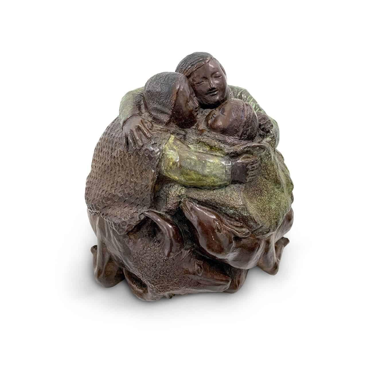 """""""Tiempo de manzanas"""", con bronces de Miguel Iribertegui y obra sobre papel de artistas leoneses"""